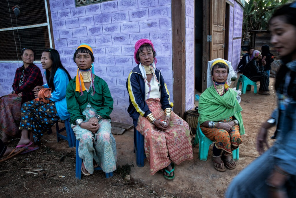 Long necks and big ears - visit in Kayan and Kayah tribes 19